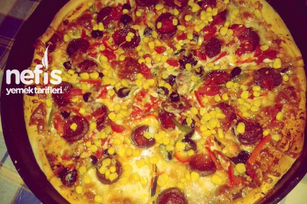Karışık Pizzanın Yapımı Tarifi
