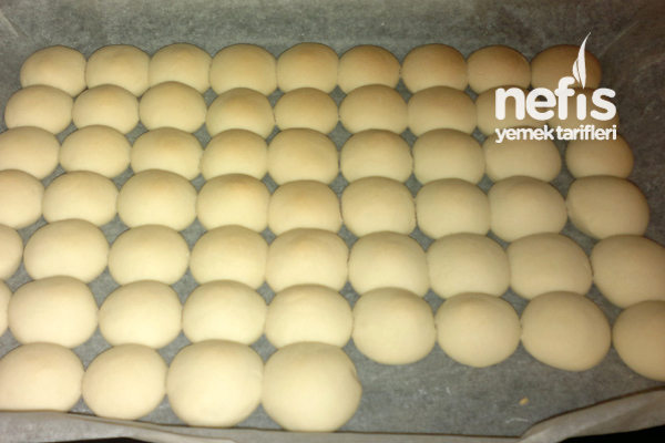 nisastali-un-kurabiyesi-yapimi-fotografNişastalı Un Kurabiyesi Yapımı 2