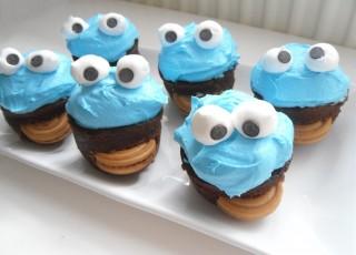 buda arkadaşım için yaptığım kurabiye canavarlarım :D :)))