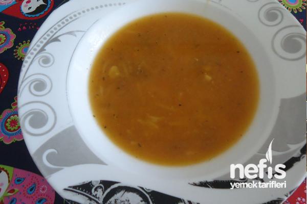 Tel Şehriyeli Tarhana Çorbası (Bebekler İçin) Tarifi