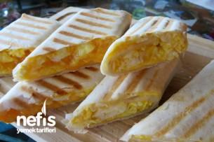 Kahvaltılık Yumurtalı Lavaş Dürümü (breakfast egg burrito) Tarifi