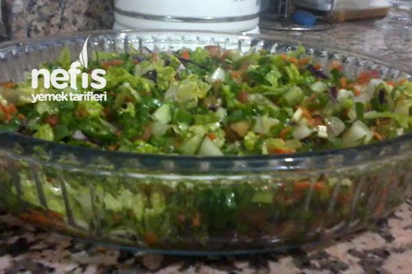 Karışık Bol Vitaminli Salata Tarifi