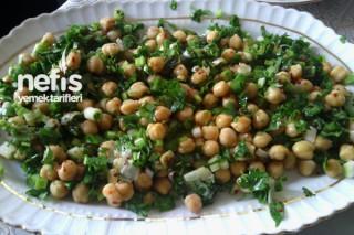 Nohut Salatası Yapımı Tarifi