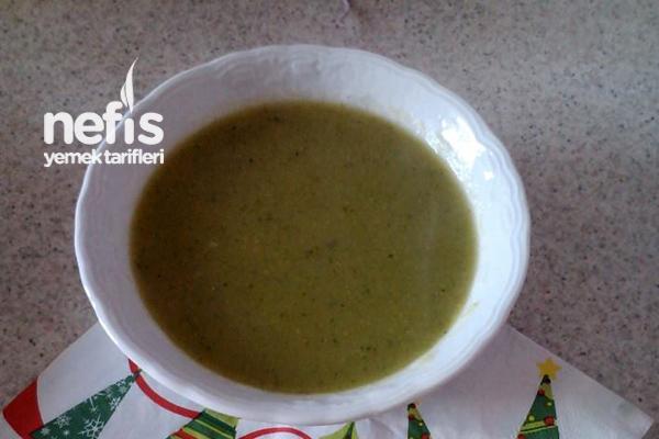 Tavuk Suyuna Brokoli Çorbası Tarifi