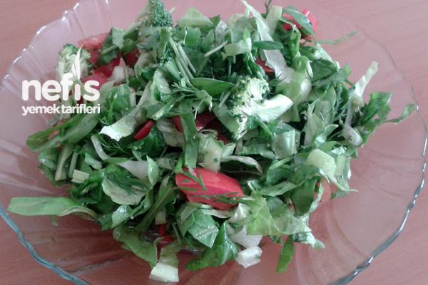 Yeşil Salata Yapımı Tarifi