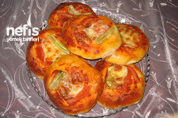 Çemenli Mini Pizza Tarifi