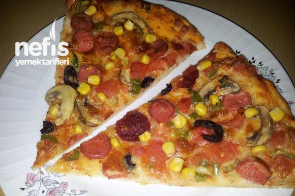Karışık Pizzanın Yapılışı Tarifi