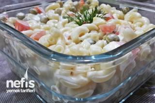 Makarna Salatasının Hazırlanışı Tarifi