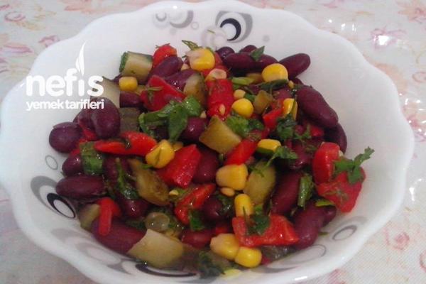 Meksika Fasulyesi Salatası Yapılışı Tarifi