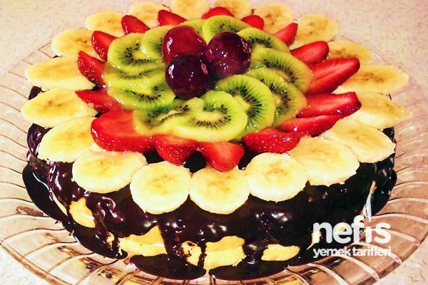 Meyveli Pastanın Yapılışı Tarifi
