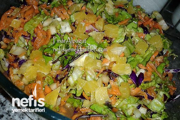 Meyveli Salata Tarifi