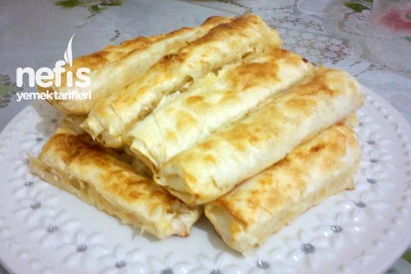 Pratik Ispanaklı Peynirli Börek Tarifi