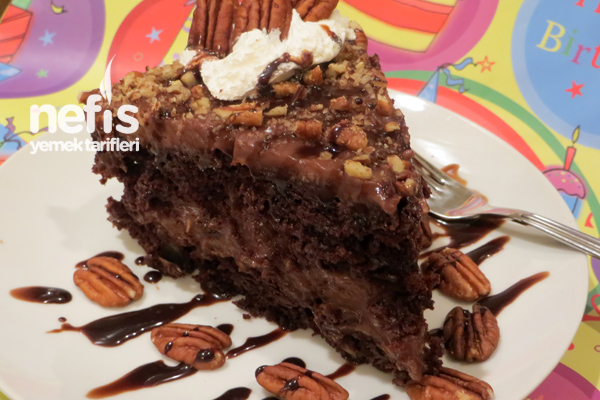 Pudingli Cevizli Çikolatalı Pasta Tarifi