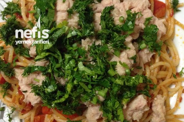 Sebzeli Ton Balıklı Spagetti Tarifi