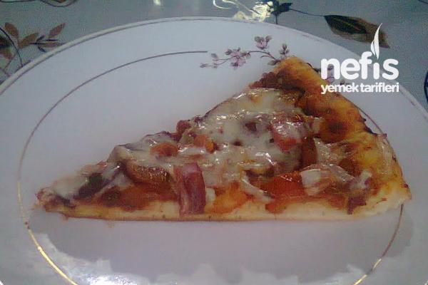 Tavada Pizza Yapımı Tarifi