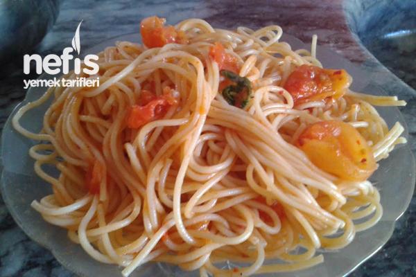 Fesleğenli Spagetti Tarifi
