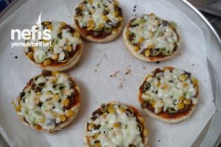 Hamburger Ekmeğinden Kahvaltılık Pizza Tarifi