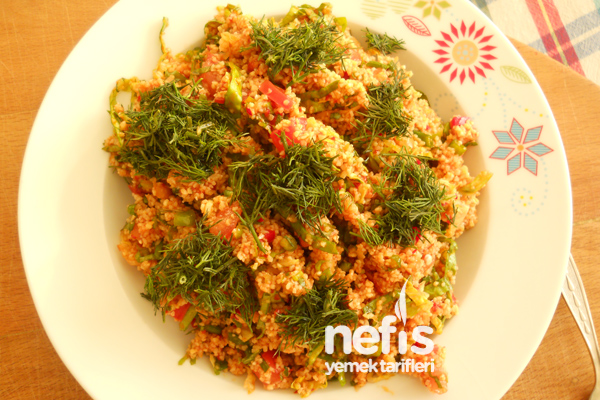 Kısırın Hazırlanışı - Nefis Yemek Tarifleri
