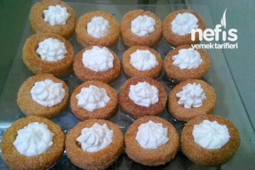 Krem şanti ile yapılan tatlılar