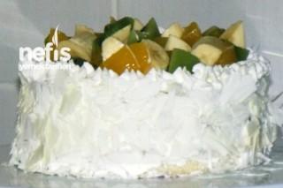 Meyveli Pasta Yapılışı Tarifi