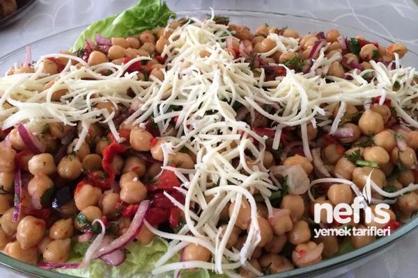 Nohut Salatasının Yapımı Tarifi