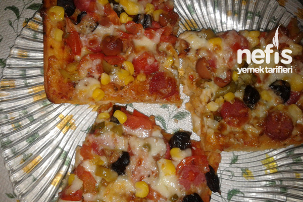 Pratik Pizza Yapımı Tarifi