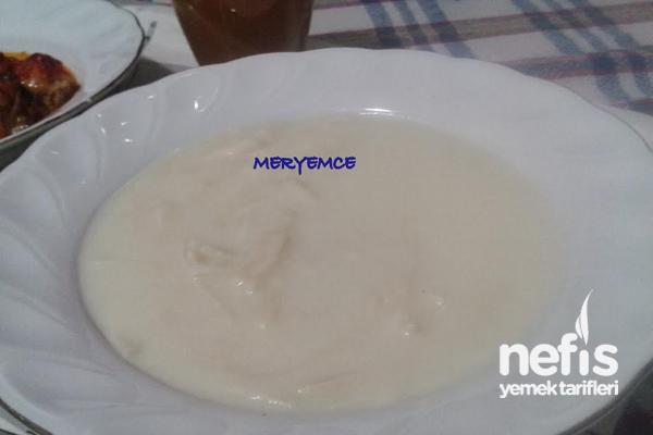 Sütlü Erişte Çorbası