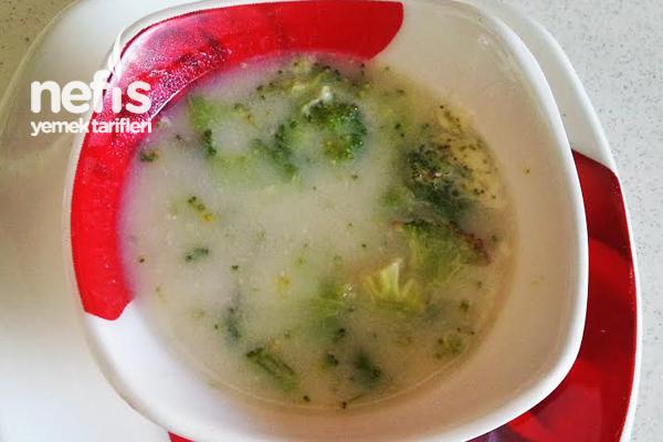 Terbiyeli Brokoli Çorbası Tarifi
