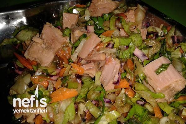 Ton Balıklı Diyet Salata Tarifi