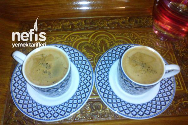 Vanilyalı Türk Kahvesinin Yapımı