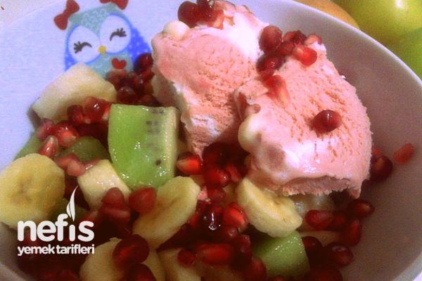 Dondurmalı Meyve Salatası Tarifi