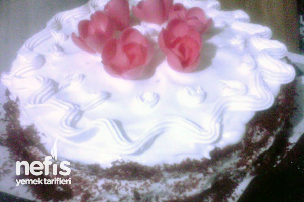 Kırmızı Kadife Pasta (Red Velvet Cake) Tarifi