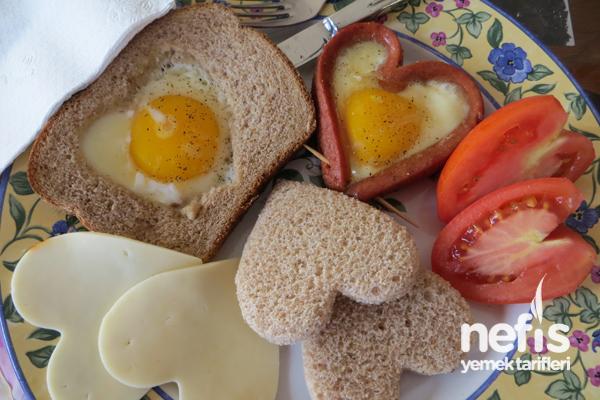 Sevgiliye Kahvaltı Tabağı Tarifi