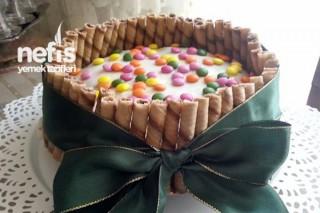 Süslü Pasta Yapılışı Tarifi