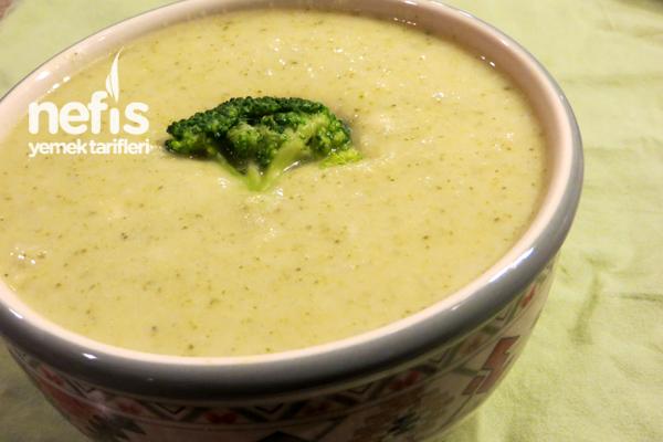 Sütlü Brokoli Çorbası Yapımı Tarifi