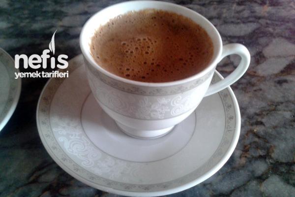 Sütlü Türk Kahvesi (Orta) Tarifi