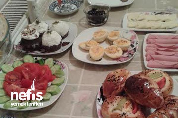 2 Kişilik Kahvaltı Sofrası Tarifi