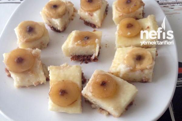 Ananas Soslu İrmik Pastası Tarifi