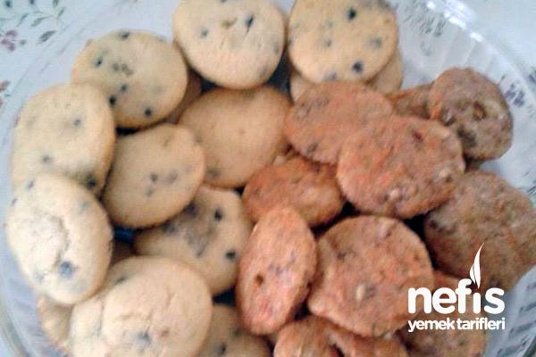 Aynı Kek Hamurundan Havuçlu ve Damla Çikolatalı Muffin Tarifi