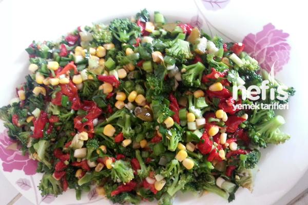 Brokoli Salatası Yapılışı Tarifi