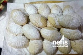 Gerebiç Kalıbında Elmalı Pasta Tarifi