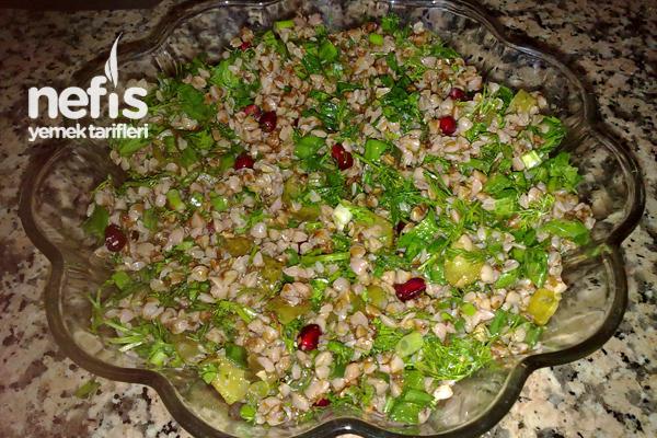 Pancar Suyu İle Kara Buğday Salatası Tarifi