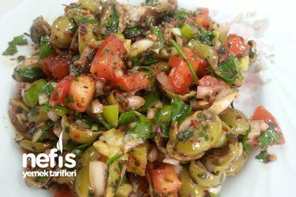 Yeşil Zeytin Salatası Tarifi (videolu)