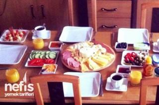 Arkadaş Arası Kahvaltı Tarifi