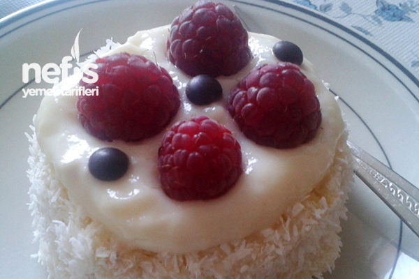 Frambuazlı Minik Pastalar Tarifi