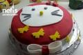 Hello Kitty'li Şeker Hamurlu Doğum Günü Pastası Tarifi