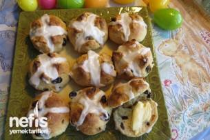 Paskalya Ekmeği (Hot Cross Buns)