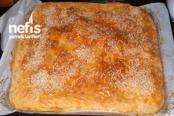 Patatesli ve Peynirli Börek Tarifi