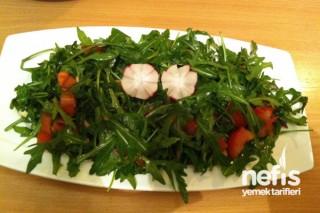 Roka Salatası (Rucola) Tarifi
