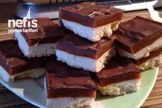 Twix Tadında Çikolatalı Karamelli Dilimler Tarifi